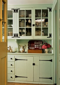 A pantry added to an 18th-century stone house in the 1920s features H-L hinges.