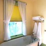 handwerk-shade-shop_bathroom-shade
