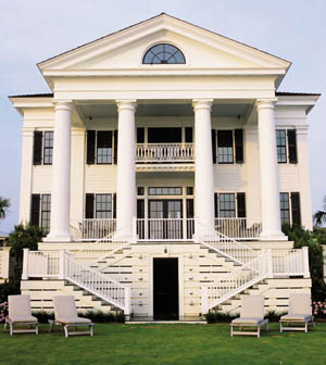 The 20-foot columns and classical facade of Chadsworth Cottage make it a Figure Eight Island landmark. Designer Christine G. H. Franck combined Greek Revival, Federal, and Palladian elements to create this waterfront villa for client Jeffrey L. Davis.