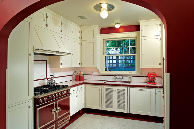 Creating a new old kitchen old house online old house for 1940s kitchen cabinets