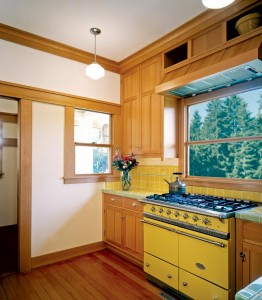 """""""I do a lot of canning, and wanted to be able to put big pots on the stove—even two<br> at a time,"""" says Renee Davis of her choice of the professional-grade Lacanche range."""