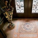 English encaustic tiles, here in a New York City brownstone vestibule. (Photo: Alan Weintraub)