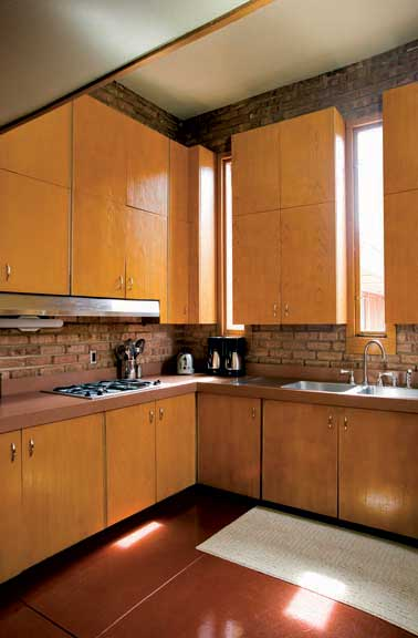 restoring a frank lloyd wright farmhouse old house online. Black Bedroom Furniture Sets. Home Design Ideas