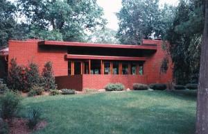 Frank Lloyd Wright used radiant floors to heat his Usonian houses, like the Richardson House in Glen Ridge, New Jersey. (Photo: Tarantino Architect)