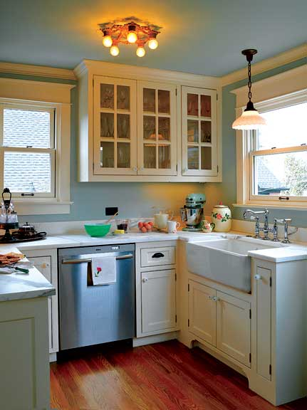 Salvage renewal in a seattle foursquare old house for Seattle kitchen designs