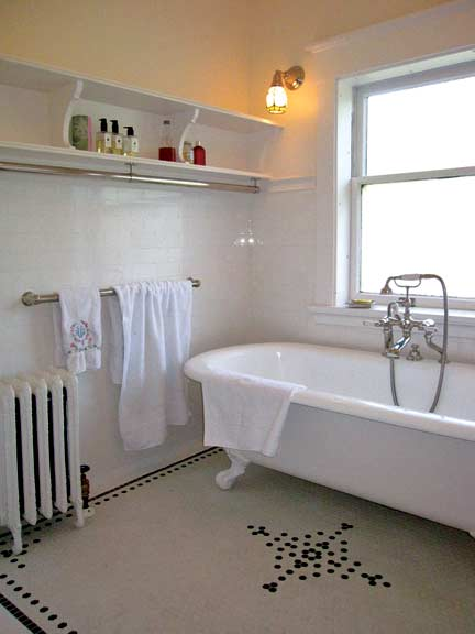 Ideas for 20th-Century Baths - Old-House Online - Old ...