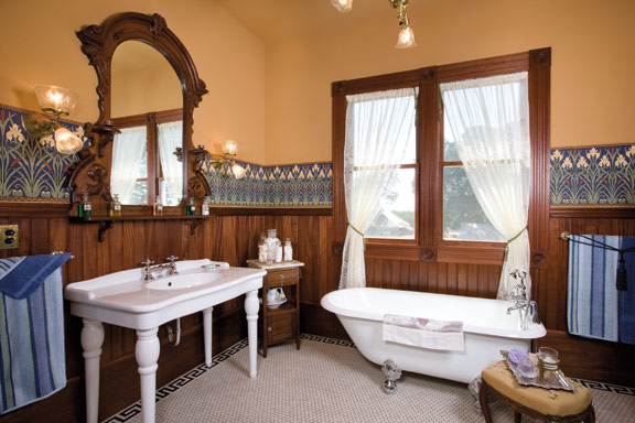 9 Inspiring Old-House Bathrooms - Old-House Online - Old ...
