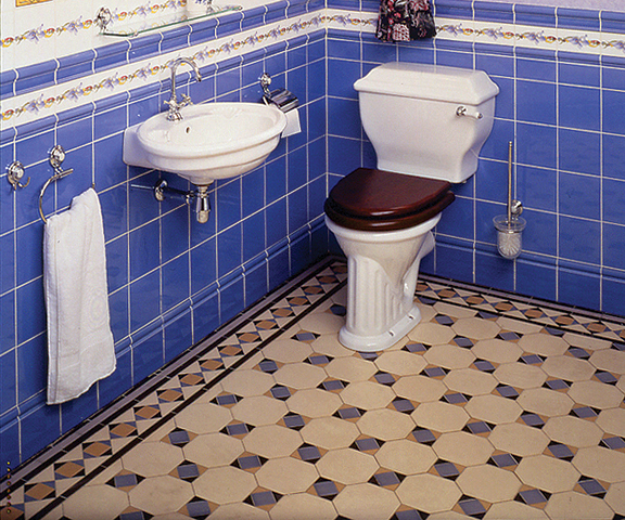 30 Great Pictures And Ideas Of Old Fashioned Bathroom Tile: Tile Patterns For Floors In Old-House Baths