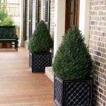 'Lattice' planters in cast aluminum from Charleston Gardens.
