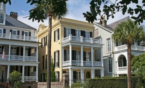 Charleston's Old & Historic District contains more than 4,800 immaculately preserved old buildings.