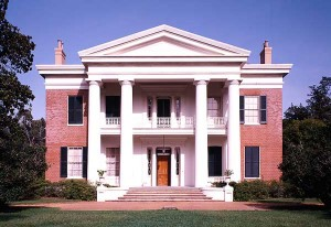 Greek Revival mansions such as Melrose in Natchez, with its full-height columns under a pedimented portico, remind us of the antebellum South. (Photo: Jack E. Boucher)