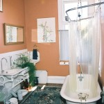 The sink and tub are original to this hospital-suite-turned-bathroom.