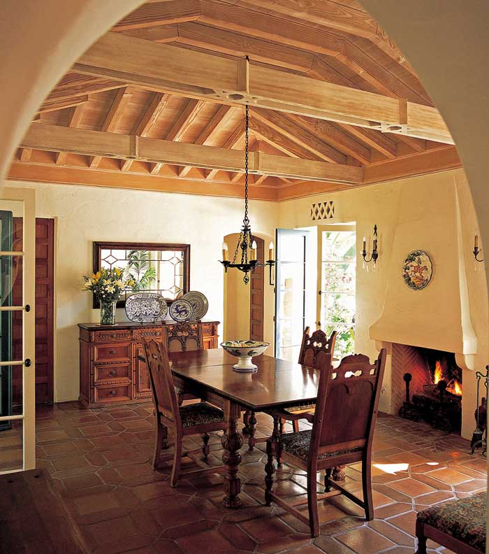 Colonial Dining Room: An Authentic New Spanish Colonial