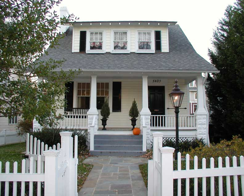 History of old house porches old house online old for American bungalow house