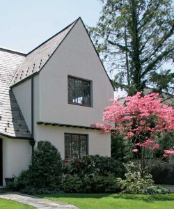 A Tudor house in New York makes a dramatic case for the importance of original windows.