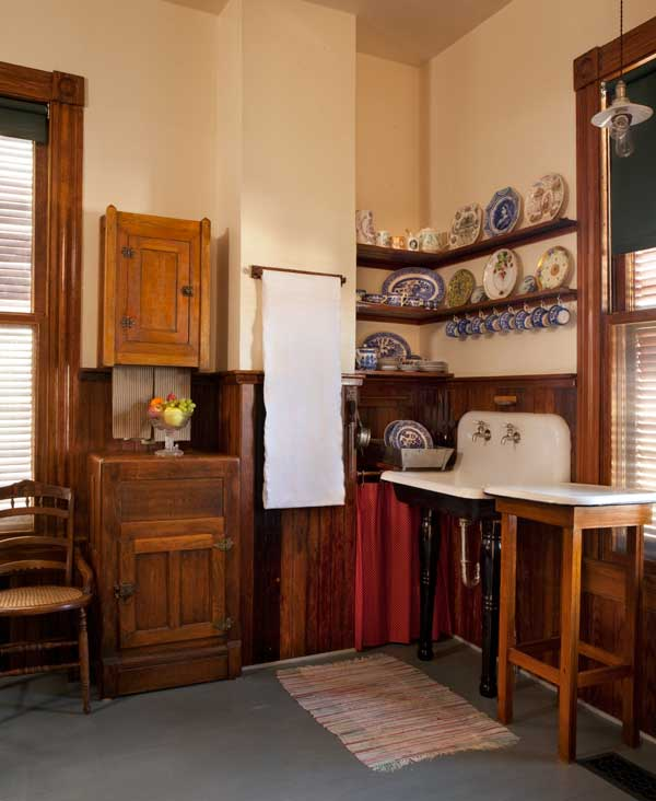 an authentic victorian kitchen design old house online old house online. Black Bedroom Furniture Sets. Home Design Ideas