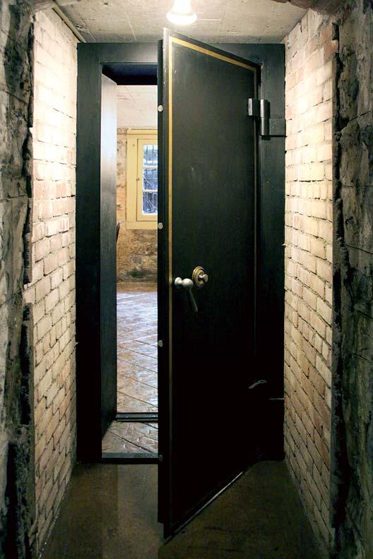 Used Vault Doors : Restoring addison mizner s rock hall old house online