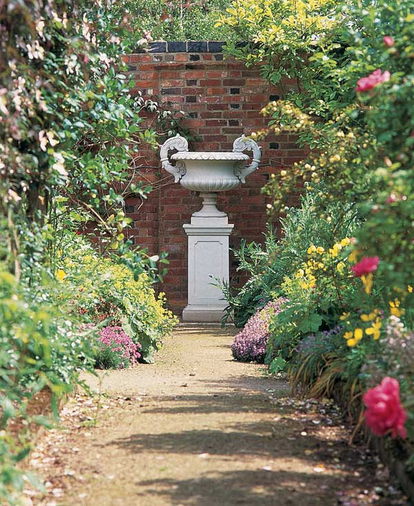 Colonial Colonial Revival Garden Design Old House