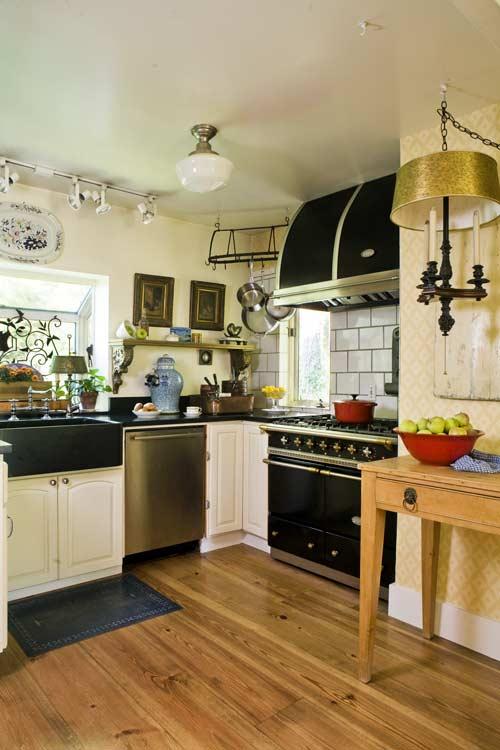 Ideas For Kitchen Floors: Linoleum, Tile & More