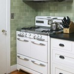 Green subway tiles look great in an old-fashioned bungalow kitchen. Photo: Jaimee Itagaki.