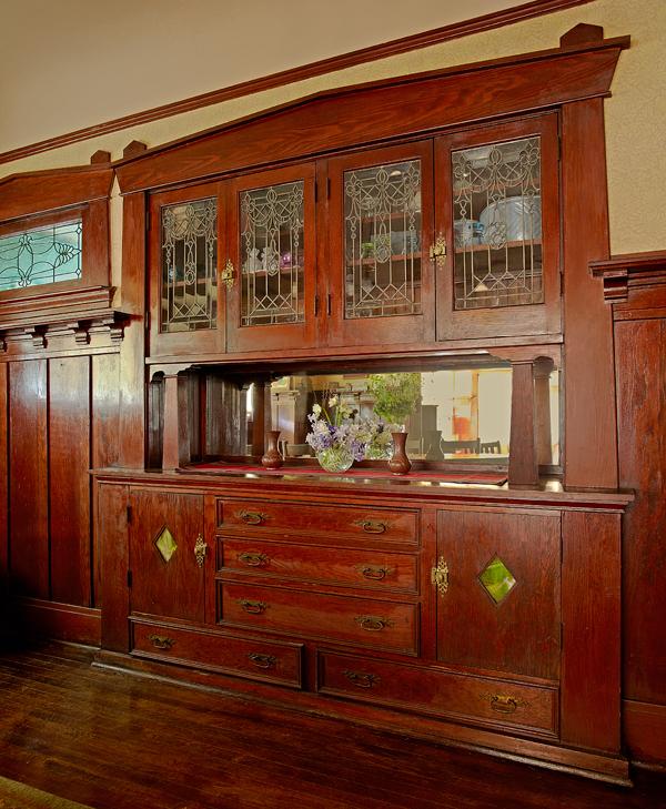 Pasadena Bungalow With Original Woodwork