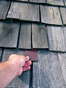 Temporary fix for a split shingle