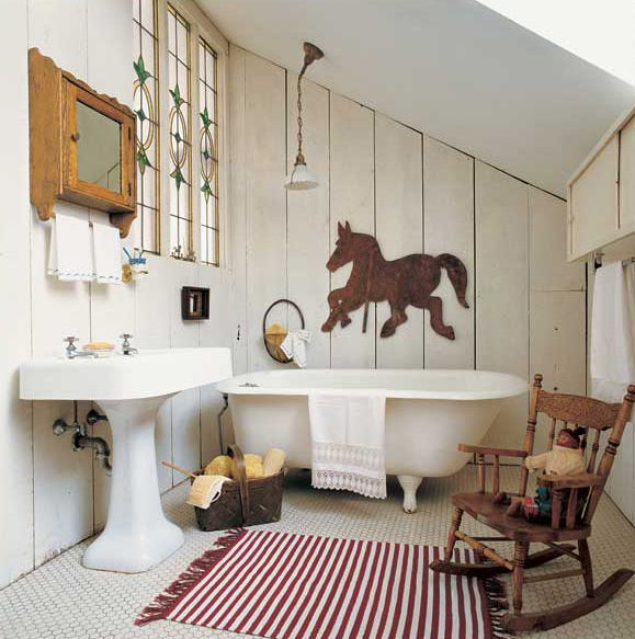 3 ways to design a bath in an early house old house for Bathroom designs old fashioned