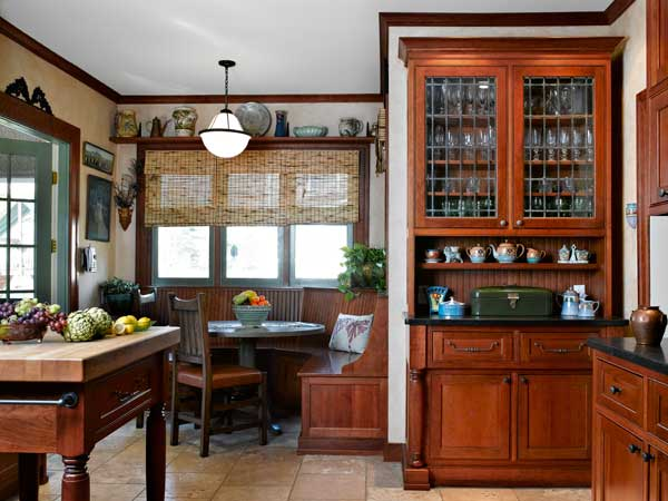 Comfort class in a 1918 colonial revival old house for Colonial revival kitchen design
