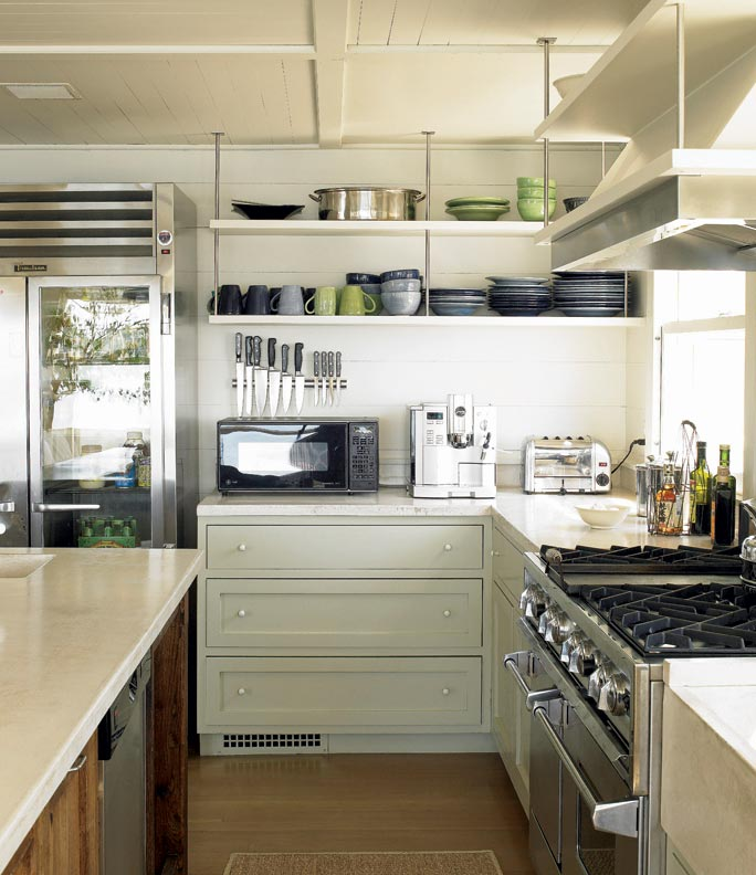 Kitchen With Open Cabinets: 6 Ways To Make A New Kitchen Look Old