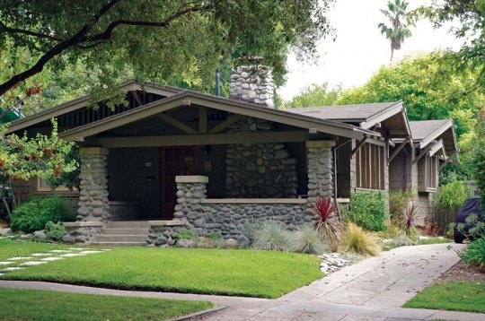 Designated a landmark district in 1989, the Bungalow Heaven neighborhood showcases one of the country's largest collections of well-preserved bungalows.