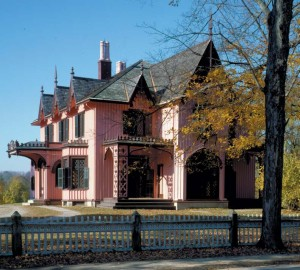 Historic fences can mirror the architectural motifs of their houses, like the quatrefoils carved into the rail around the Gothic Revival Roseland Cottage in Woodstock, Connecticut, which dates to 1846.