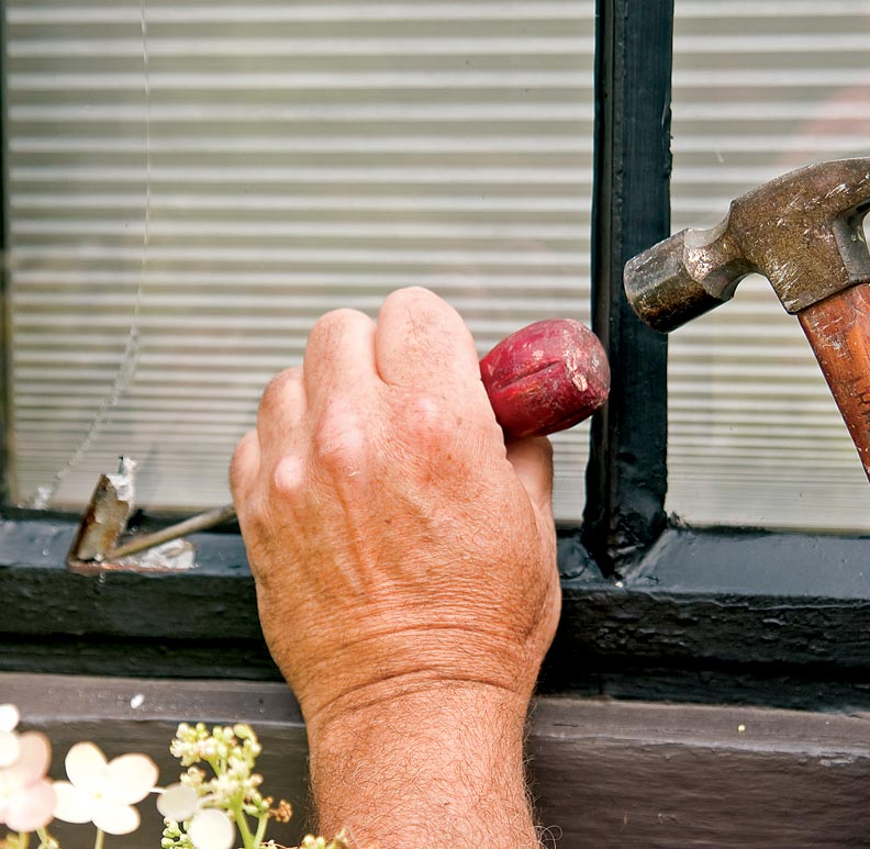 how to remove steel casement windows