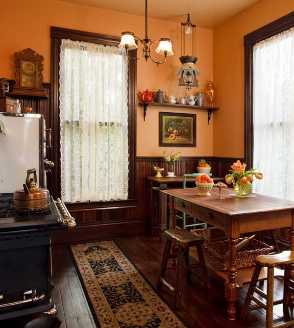 Victorian Kitchen: Selecting Curtains For Your Period Kitchen