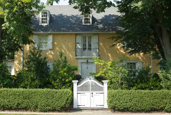 A colonial revival style stone house old house online old house online for Colonial revival stone exterior paint