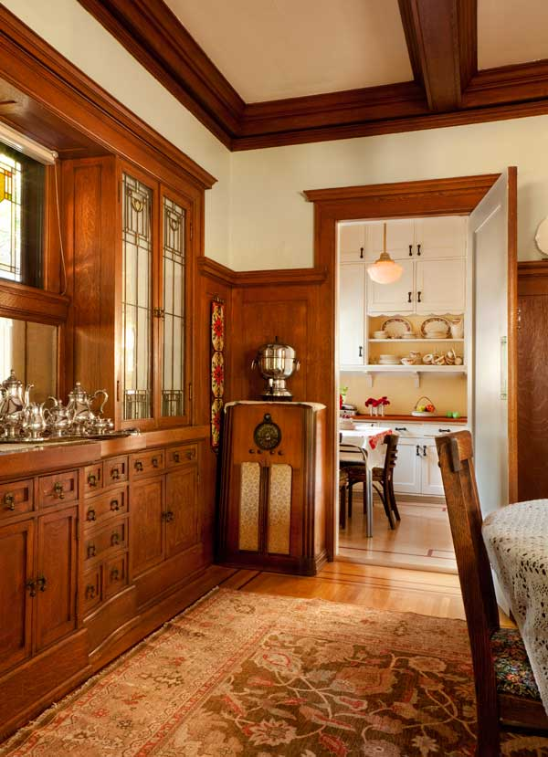 Friendly Kitchen In A 1912 Foursquare Old House Online