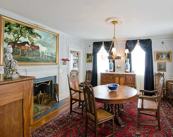Colonial Dining Room Furniture: Federal Farmhouse Restored In Colonial Revival Style