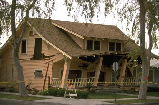 Like popping popcorn, earthquake forces shake a house side to side and up and down, twisting unreinforced walls out of square and rolling over freestanding posts, which are unbraced and therefore structurally weak.