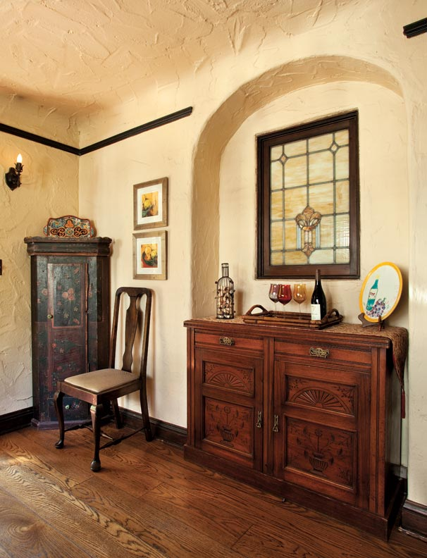 A Textbook 1920s Tudor In Portland Old House Online Old House Online
