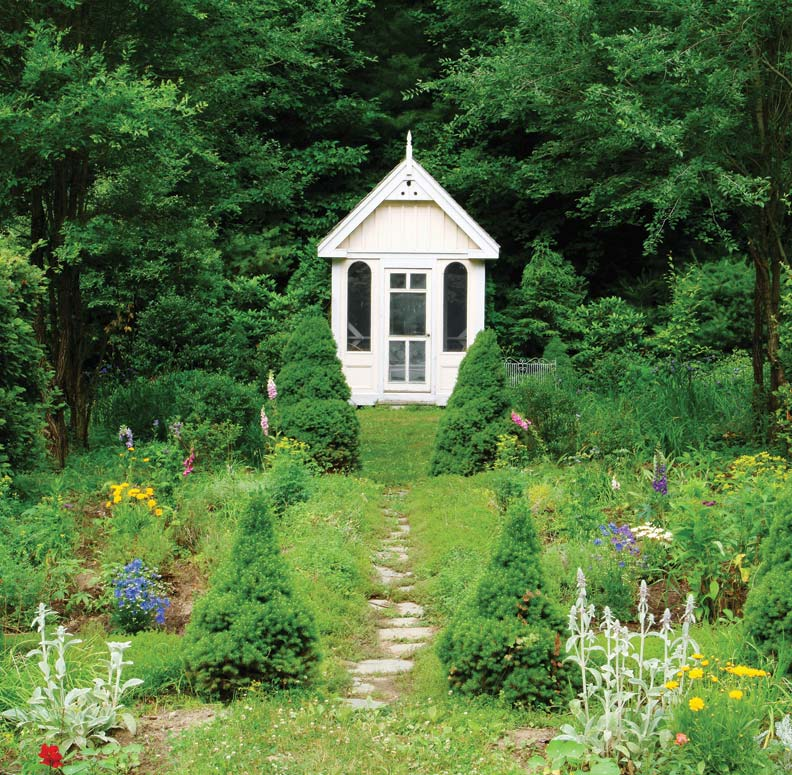 How To Design a Summerhouse for Your Garden Old House