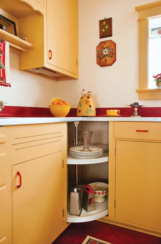 Designing a retro 1940s kitchen old house online old for 1940s kitchen cabinets