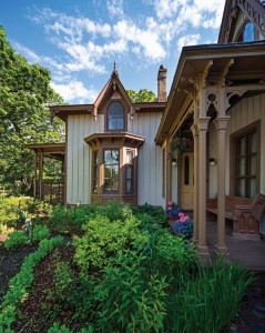 Conrad Schmitt Studios of New Berlin, Wisconsin, performed a color analysis on old trim boards, which allowed the Krainiks to re-create the house's original chocolate trim color.