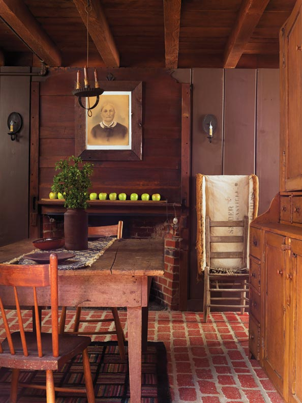 Folk Art in a Reproduction Saltbox - Old-House Online ...