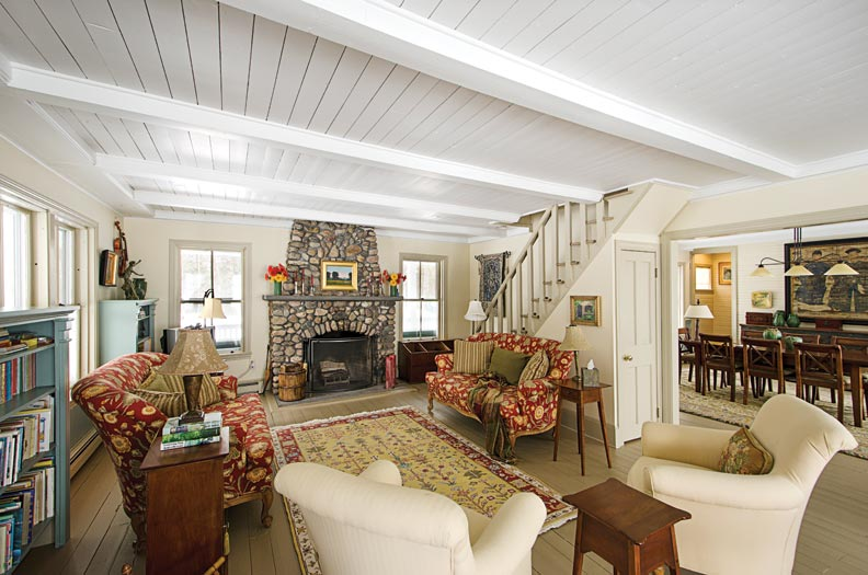 A snug lakeside cottage in vermont old house online for The family room vermont