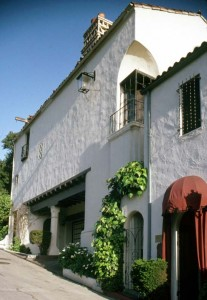 1926 courtyard house of Harry McAfee in Whitley Heights, Los Angeles