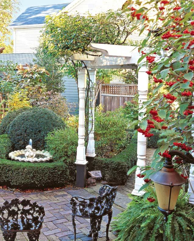 Pergola Designs For Old-House Gardens