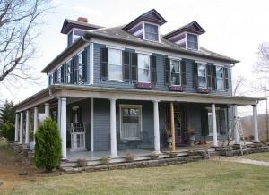 Colonial Revival house in Strasburg, Virginia