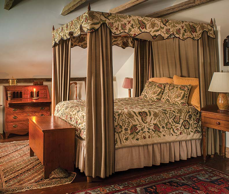 Online Bedroom: An 18th-Century Stone House With Patina