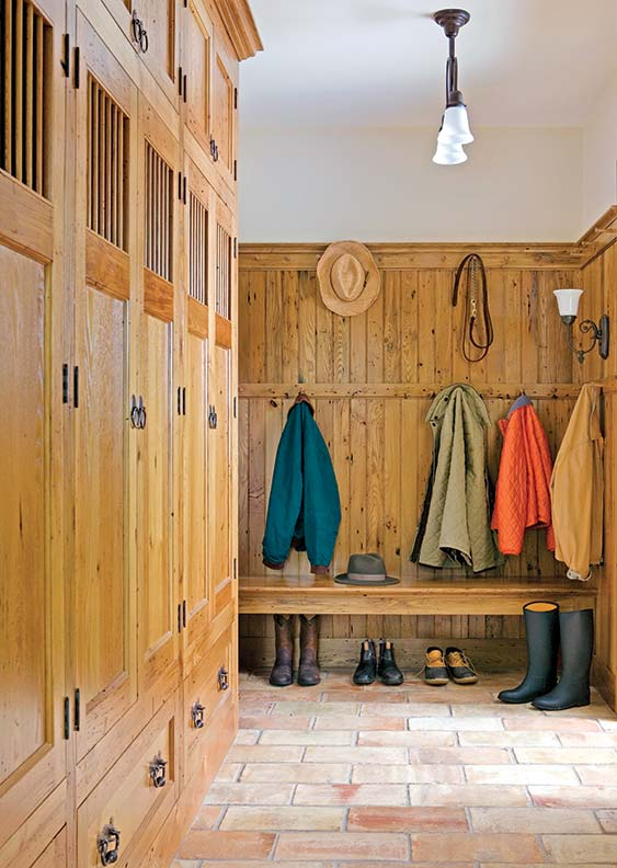 How Design Traditional Mudroom Old House Online