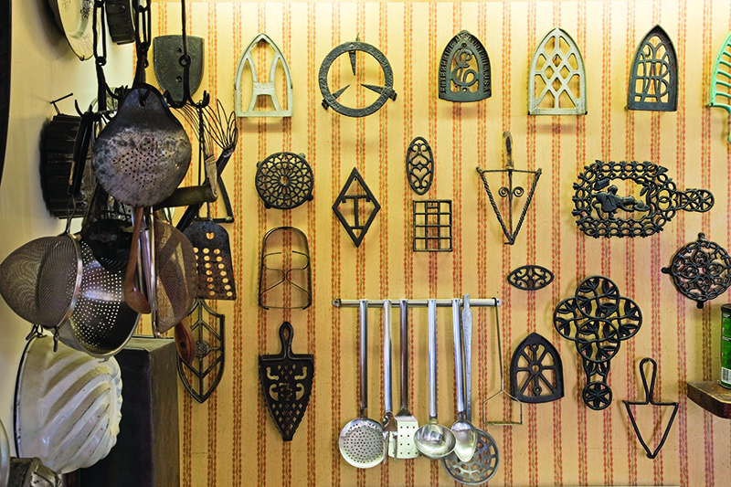 A Quebecois Antiques Bazaar Old House Online Old House