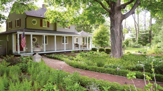 Although the path leads almost directly from gate to entry door, it has a picturesque jog near the front porch. (Photo: Bill Ticineto)